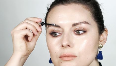 Not Convinced by Glossy Lids This Makeup Artist Will Change Your Mind