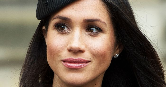 Meghan Markles Jaw-Defining Pre-Wedding Treatment Can Be Done at Home—for 0