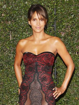 Halle Berry Says the Keto Diet Has Helped Reverse Her Type 2 Diabetes