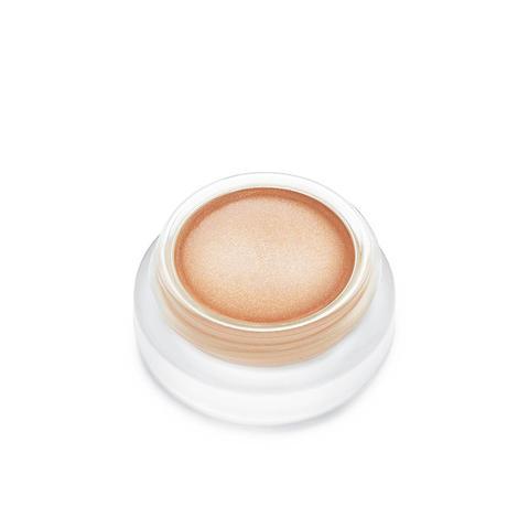 4 Super-Flattering Makeup Tutorials for Blue Eyes