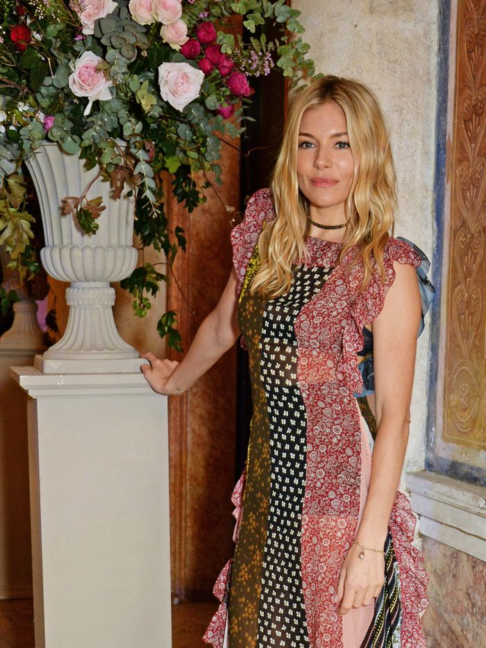 Sienna Miller Style See The Actresss Best Ever Looks Who What Wear