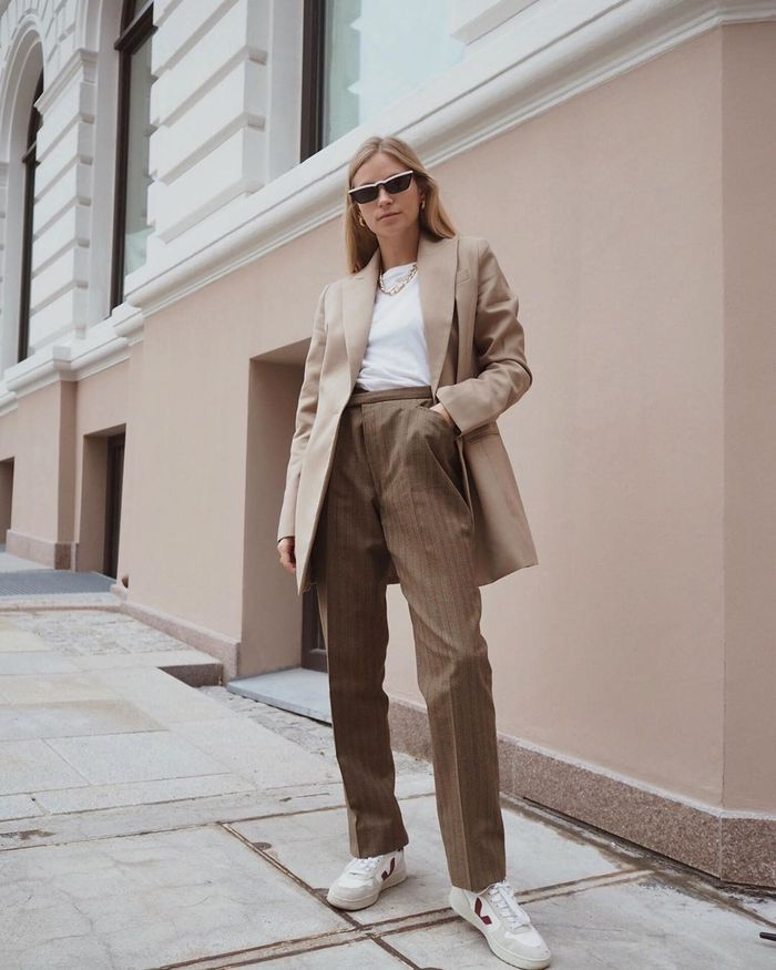 bbd609e814f911 How to Dress in Your 30s: the 20 Items You Need to Own | Who What ...