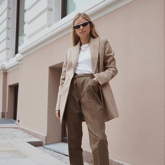 16e2912777 How to Dress in Your 30s: the 20 Items You Need to Own | Who What ...