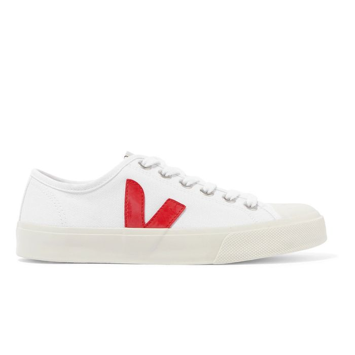 9d858888016 How to Clean White Sneakers  9 Hacks You Need to Know