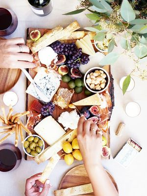 How to Have a Healthy Relationship With Food: A Nutritionist Explains