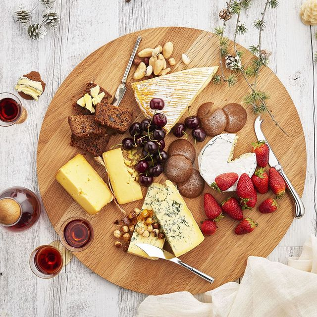 How to Create a Restaurant-Worthy Cheese Board