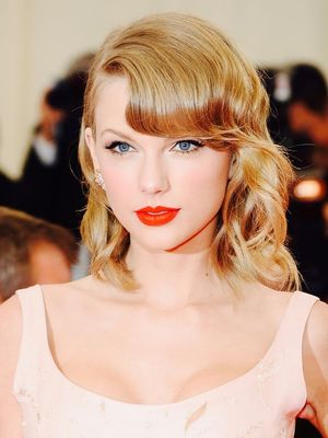 See Taylor Swift's Most Iconic Beauty Looks