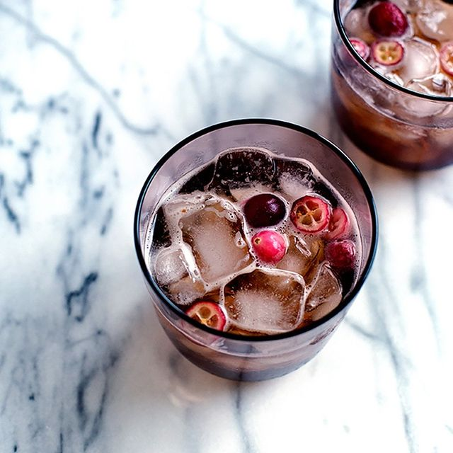 8 Beautiful and Delicious Holiday Cocktails