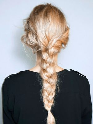 5 Holiday Hair Ideas You Can Do in 5 Minutes