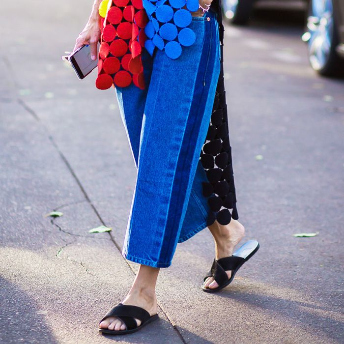 5 Alarming Effects of Wearing Flat Shoes | Who What Wear