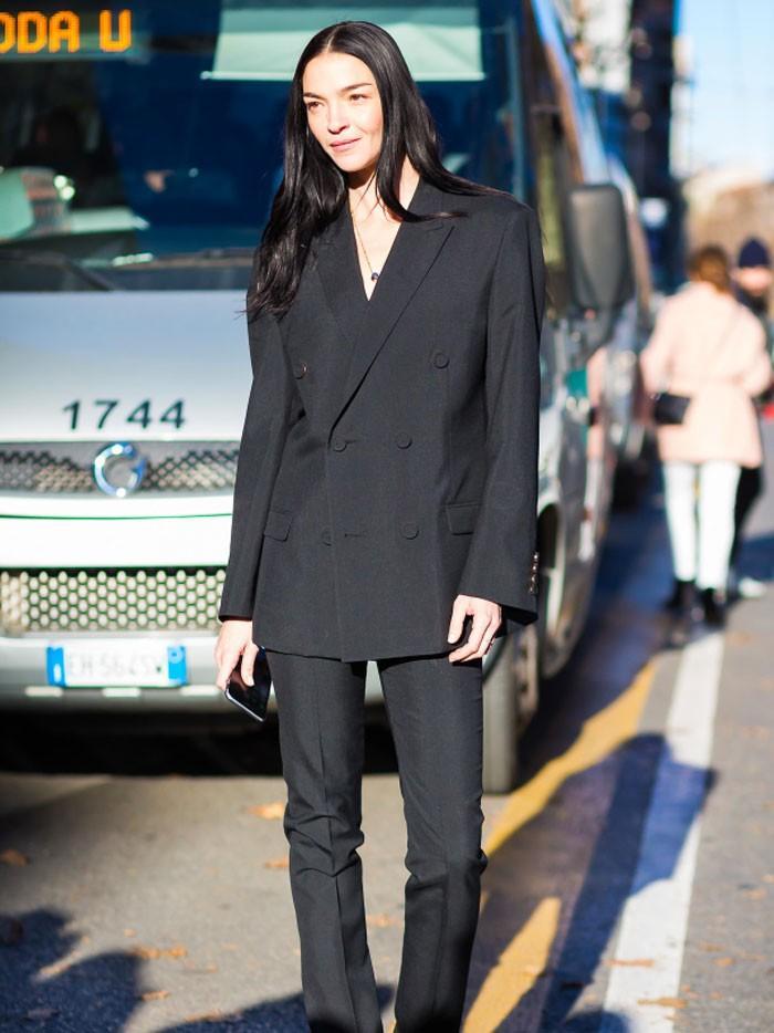 The One Thing Stylish Italian Women Never Wear | Who What Wear | 700 x 934 jpeg 81kB