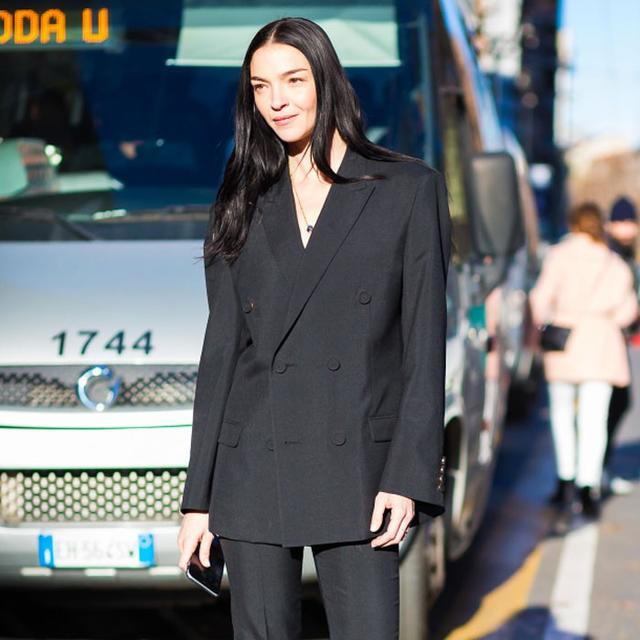 The One Thing Stylish Italian Women Never Wear