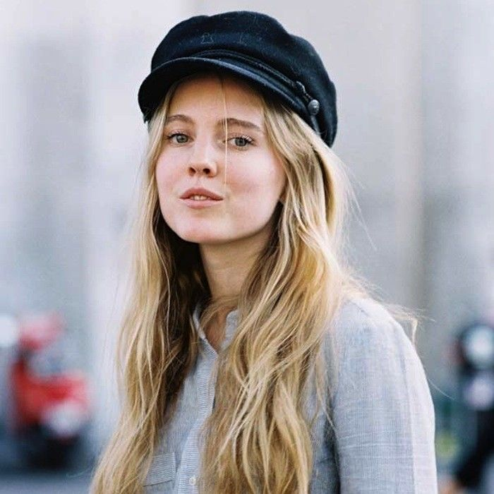 Women What hats are in style for photo