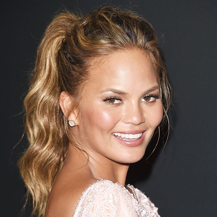 7 Easy Hairstyles That Make Your Face Look Slimmer Byrdie