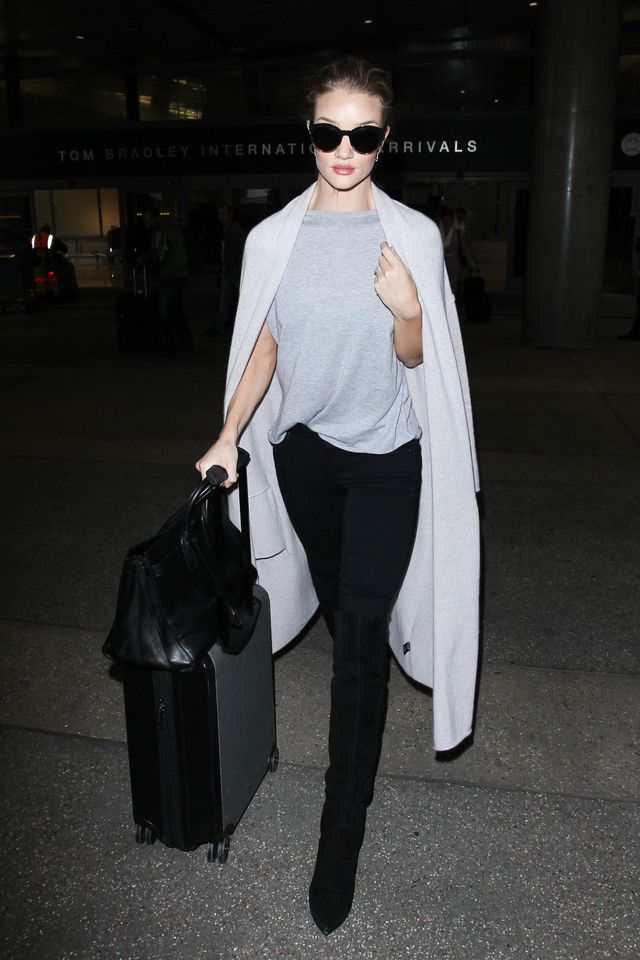 <p>Rosie Huntington-Whiteley's comfy tee was made to help you survive a long flight in style.</p>