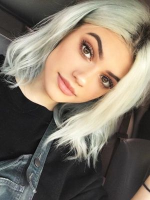 This Girl Is a Clone of Kylie Jenner and Lucy Hale, Combined
