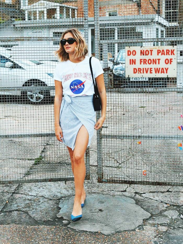 The French Girl Way To Wear A Graphic Tee Who What Wear