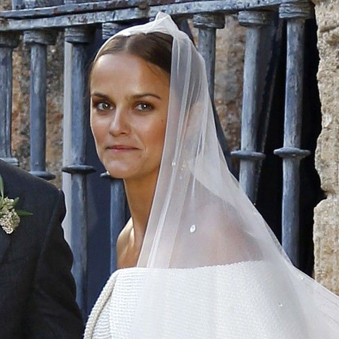 See The On Trend Wedding Gown Worn By Daughter Of A Princess Who What Wear