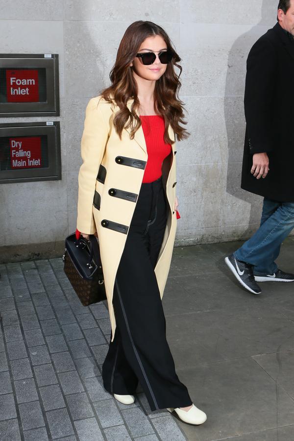 <p><strong>WHO:</strong> Selena Gomez</p>
