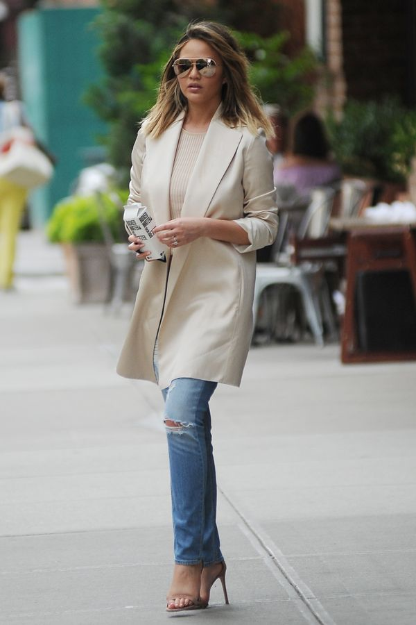 <p><strong>WHO:</strong> Chrissy Teigen</p>