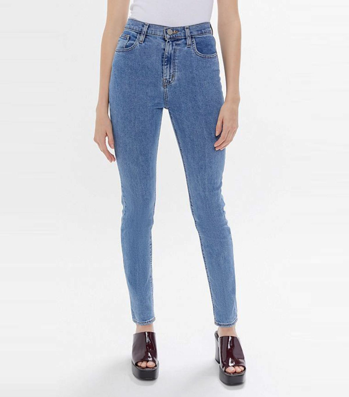 What Hourglass Figures Should Look for When Denim Shopping