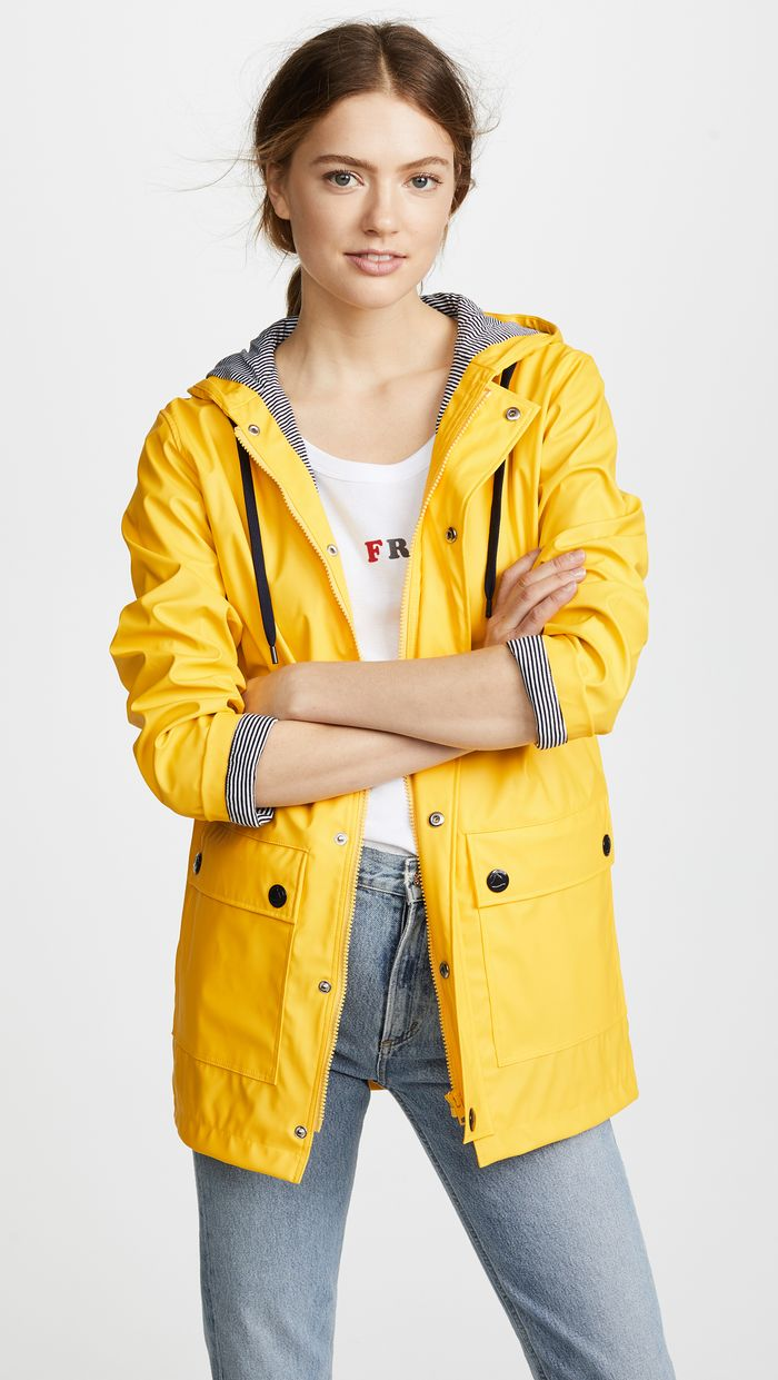 c4e3b629ab854 3 Key Pieces to Warm-Weather Outfits for Rain | Who What Wear