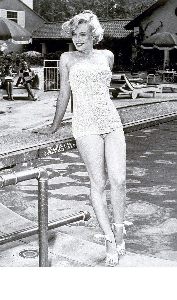 These Old Pictures of Marilyn Monroe in Swimsuits Are