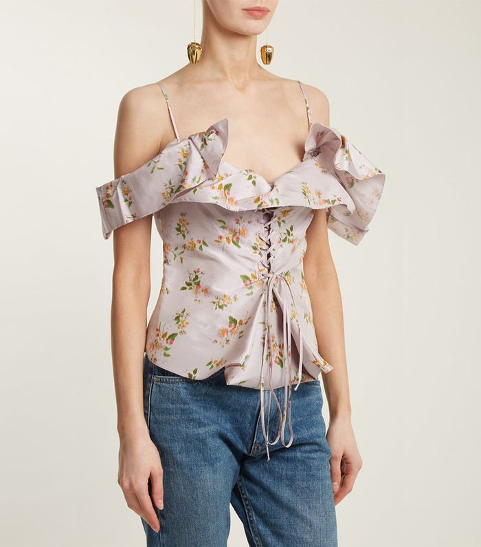 9db058b033d8 These Off-the-Shoulder Tops Look Great With Chokers