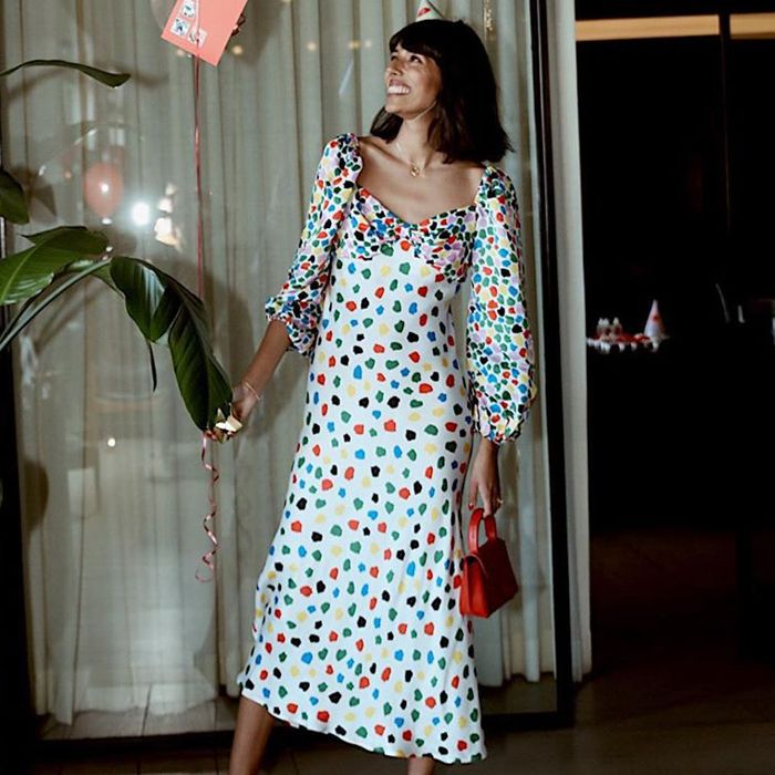 315263932d0 The Best Wedding Guest Outfit Ideas: 12 Chic Formulas to Try   Who What  Wear UK