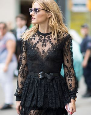 The Only Two Nail Colours Olivia Palermo Ever Wears