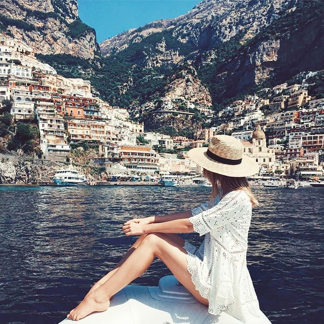 10 Typical Travel Snaps on Instagram (That We Secretly Love)