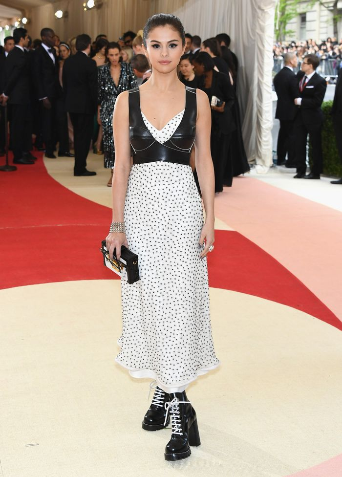 Margot Robbie Stole These Amazing Ankle Boots From Selena Gomez