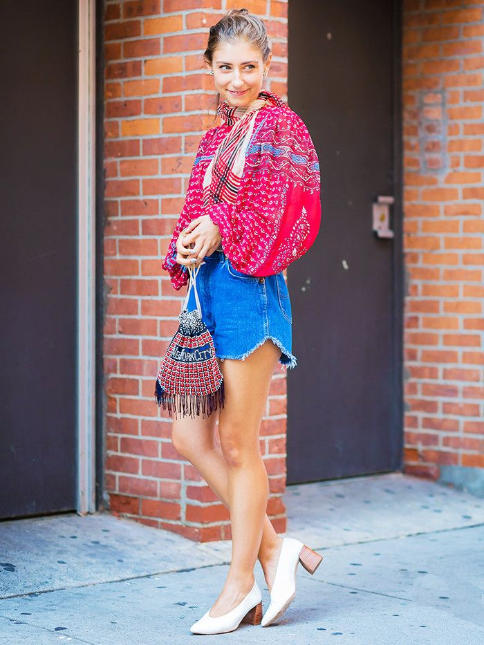 16c7a6205bb 11 Petite Style Tips From Fashion Girls Who Are Actually Short