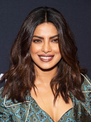 We're Obsessed With Priyanka Chopra's Take on a '90s Trend