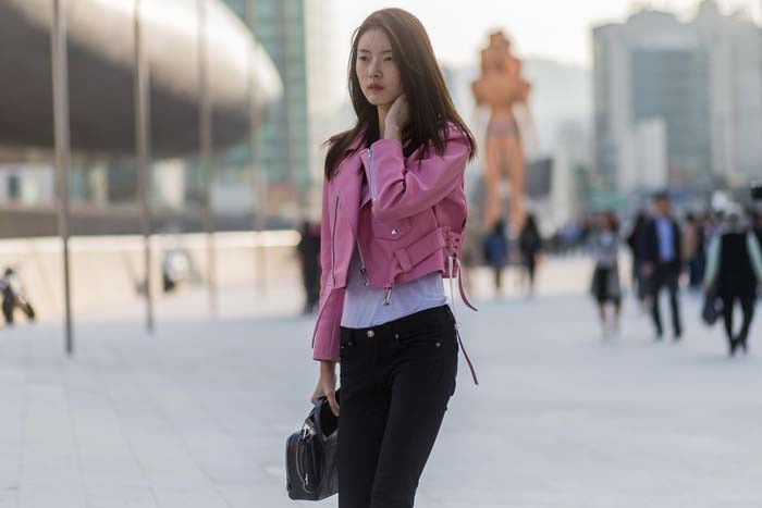 The Best Street Style From Seoul Fashion Week Who What Wear