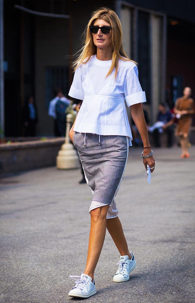 timeless pencil-skirt outfits: Sarah Rutson