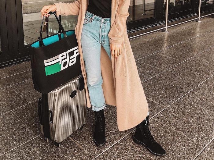9bacf7befa0 best-travel-accessories-weekend-toiletry-bags -207458-1543597076529-main.700x0c.jpg