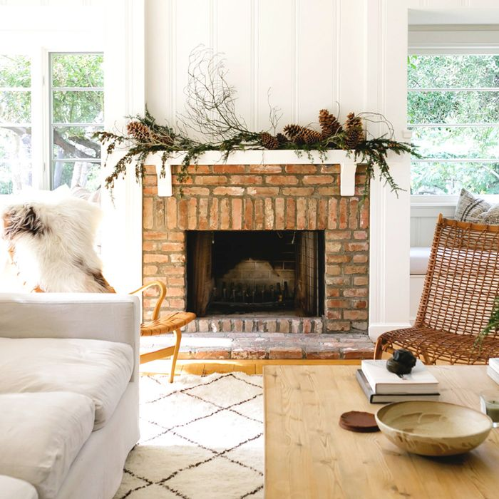 9 Holiday Fireplace Decorating Ideas That Bring The Heat Mydomaine