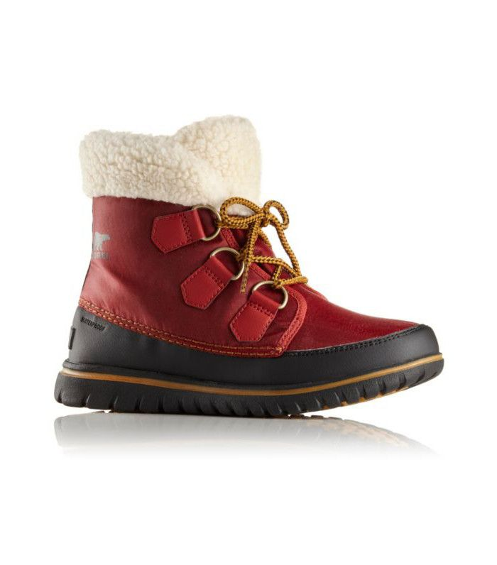 The Absolute Best Shoes for the Snow  0559534a753f
