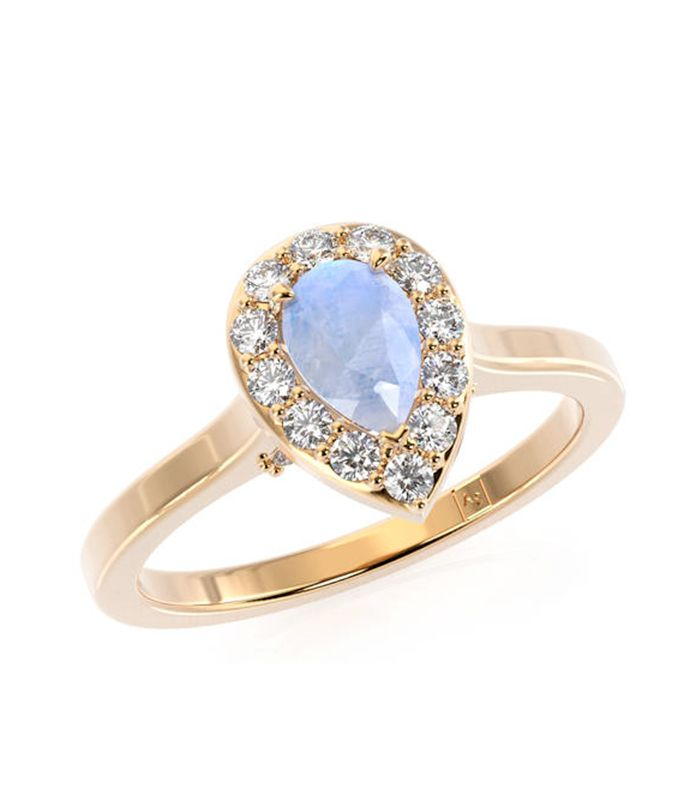 9 Breathtaking Moonstone Engagement Rings
