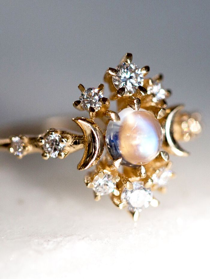 a33bfd2c25d5dd 20 Breathtaking Moonstone Engagement Rings | Who What Wear