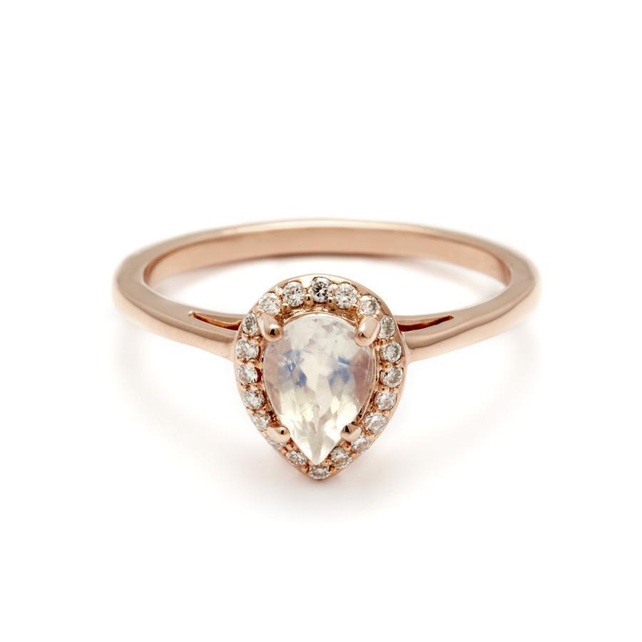 20 Breathtaking Moonstone Engagement Rings