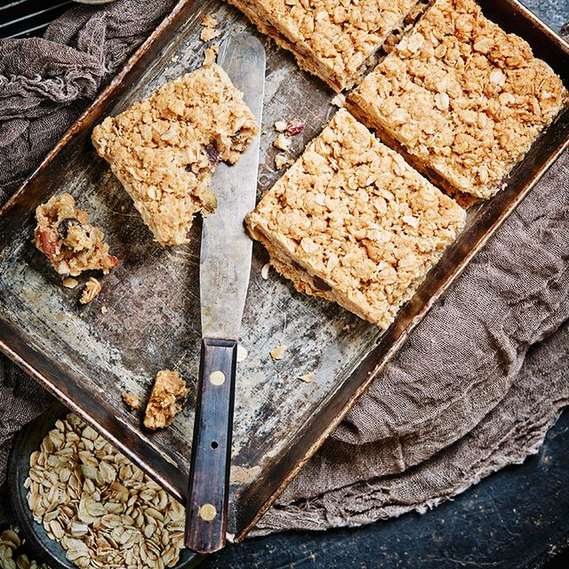 Make Your Own Protein Bars With Only 6 Healthy Ingredients