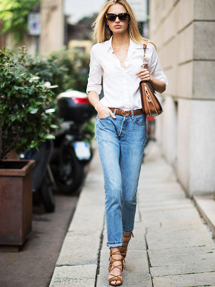 e2648146303 White blouse and denim jeans Gucci black leather belt to
