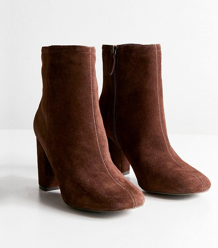 5 Tricks to Clean Suede Boots With Items in Your Kitchen  5f062d9b7