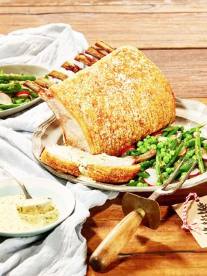 Impress Your Christmas Guests With This Succulent Roast Pork Recipe