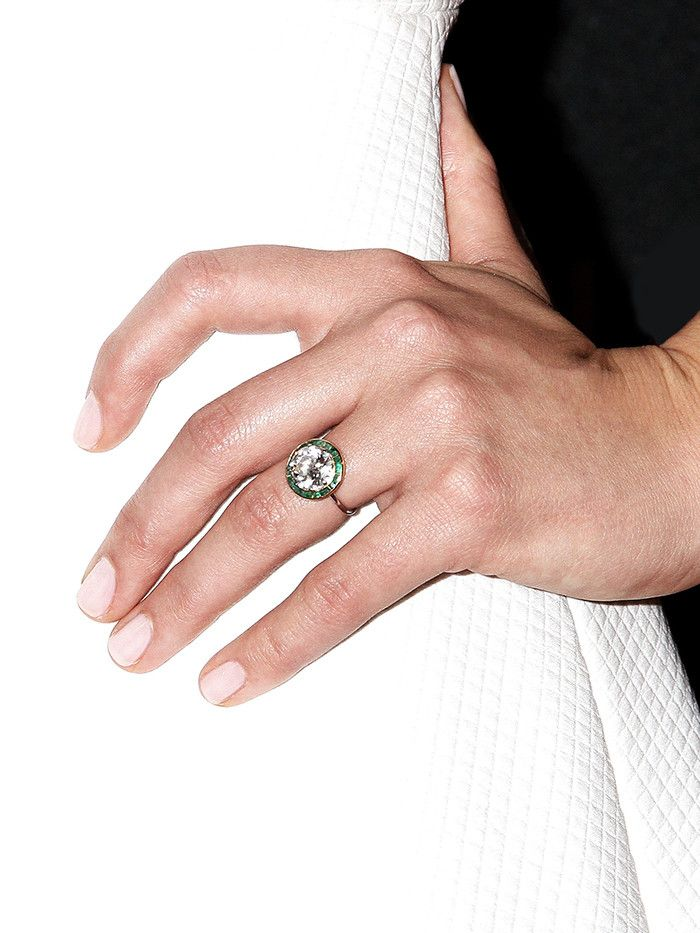 The 25 Best Vintage Engagement Rings—and Where to Shop | Who What Wear