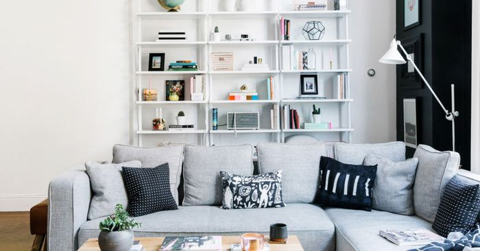 The 48 SmallSpace Hack New Yorkers Swear By MyDomaine Cool Apartment Decorating Ideas Living Room Collection
