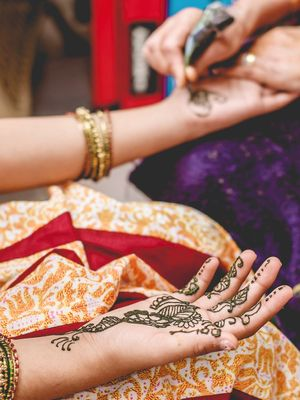 4 Amazing Pre-Wedding Beauty Traditions From Around the Globe