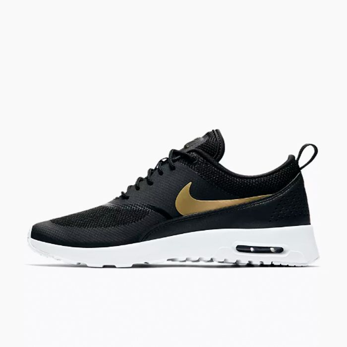 874552455ad Nike Air Max Thea Trainers Are Becoming a Cult Sneaker | Who What Wear UK